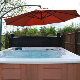 Hot Tub and Gardens