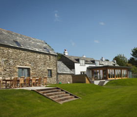 Tregulland Cottage and Barn