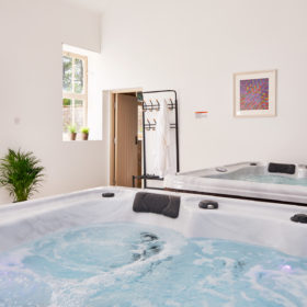 Hot tubs, gardens and grounds